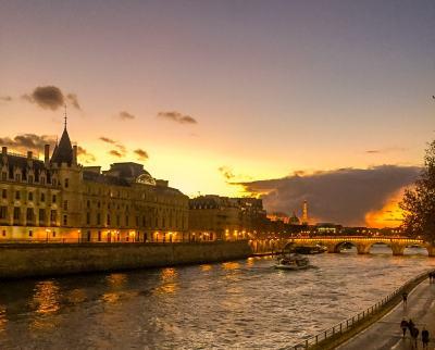 Paris - the Seine / Eiffel Tower