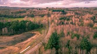 Road to the lac of Saint Pardoux